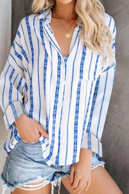 Camisa de botones con estampado de rayas azules y bolsillo