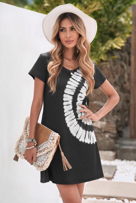 فستان أسود قصير برباط حول الرقبة