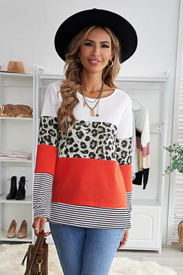 Топ с длинными рукавами и цветными блоками с леопардовым принтом в оранжевую полоску