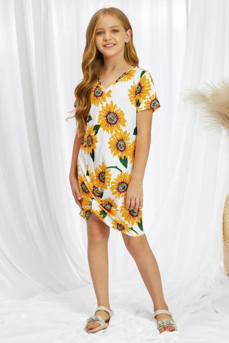 فستان بناتي قصير برقبة على شكل V وطبعة عباد الشمس