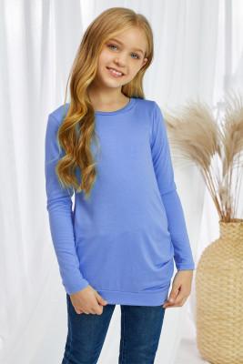 Haut bleu boutonné à manches longues et petites filles