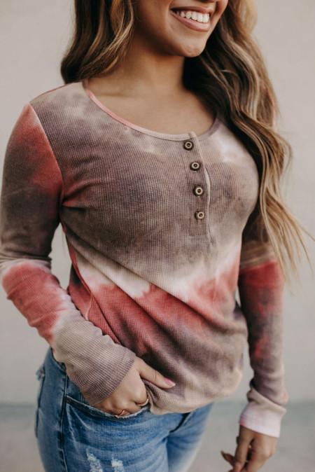 قميص مضلع طويل الأكمام مصبوغ بالرباط
