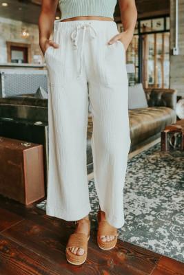 سروال أبيض برباط خصر واسع مجعد