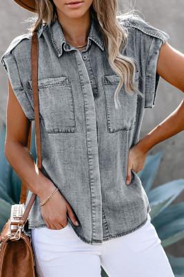 Серая джинсовая рубашка на пуговицах с закатанными рукавами и карманом