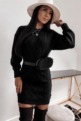 Черное облегающее платье-свитер с геометрической текстурой