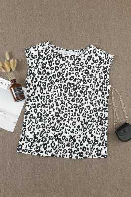 Camiseta con cuello redondo y estampado de leopardo con bolsillo