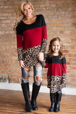 بلوزة بطبعة جلد الفهد بلون مغاير للوالدين