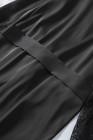 Peignoir kimono en satin noir avec garnitures en dentelle