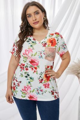 Camiseta de manga corta con bolsillo de lentejuelas florales de talla grande
