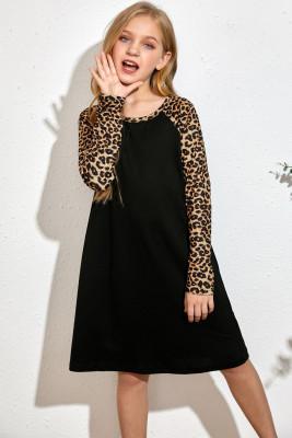 فستان أسود طويل الأكمام للفتيات