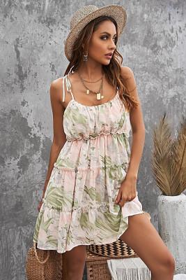 Vestido floral con volantes babydoll escalonado con tirantes finos verde