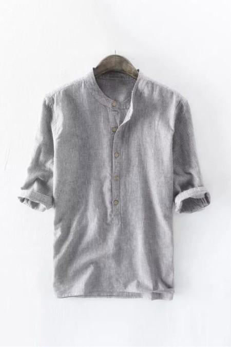 Chemise à enfiler grise à fines rayures pour hommes