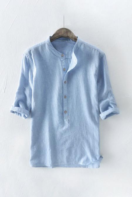 Chemise à enfiler bleue à fines rayures pour hommes