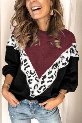 Suéter tipo pulóver de leopardo con chevrón en bloques de color vino