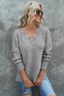 Suéter holgado con abertura lateral y escote en V festoneado de encaje gris