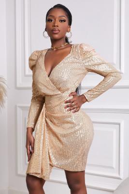 Мини-платье с длинными рукавами и глубоким V-образным вырезом с золотыми пайетками