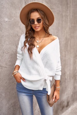 Suéter cruzado blanco con cuello en V y lazo lateral