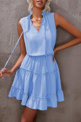 أزرق سماوي بلا أكمام ياقة V مكشكشة سوينغ فستان قصير