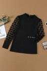 بلوزة سوداء بأكمام مطبوعة وأزرار وأصفاد