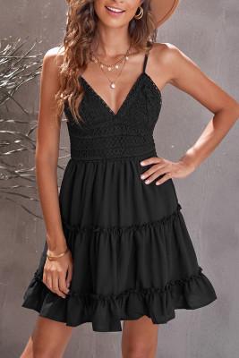 Mini vestido correas espaguetis con cuello en V corpiño de encaje con volantes negro