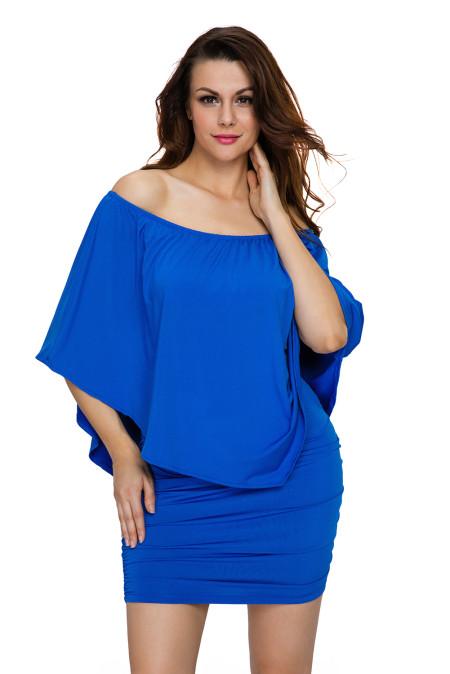 Vestido de poncho azul con múltiples capas de aderezo múltiple