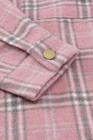 Abrigo camisero con botones y estampado de cuadros rosa con aberturas
