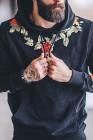 Черная мужская худи с цветочной вышивкой