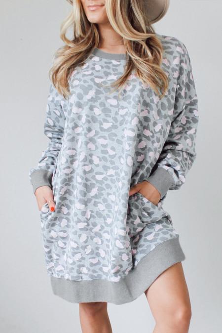فستان طويل الأكمام بطبعة ليوبارد
