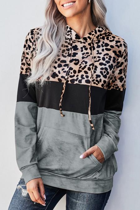 Серый худи с цветными блоками и принтом тай-дай с леопардовым принтом