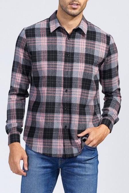 Клетчатая мужская рубашка с карманами на пуговицах