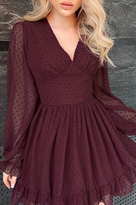 Красное вино - мини-платье в швейцарский горошек с V-образным вырезом и рукавами-фонариками
